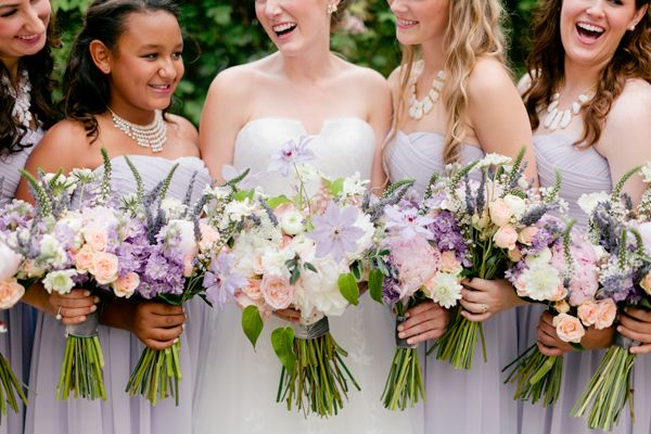 love these colors for a spring wedding | Jennefer Wilson #wedding