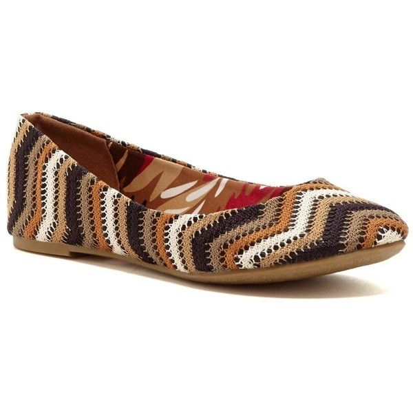 Nichole Simpson Women's Brown Crocheted Ballet Flats ($48) ❤ liked on Polyvore featuring shoes, flats, brown, ballet pumps, crochet flats, ballerina flat shoes, brown flat shoes and brown flats