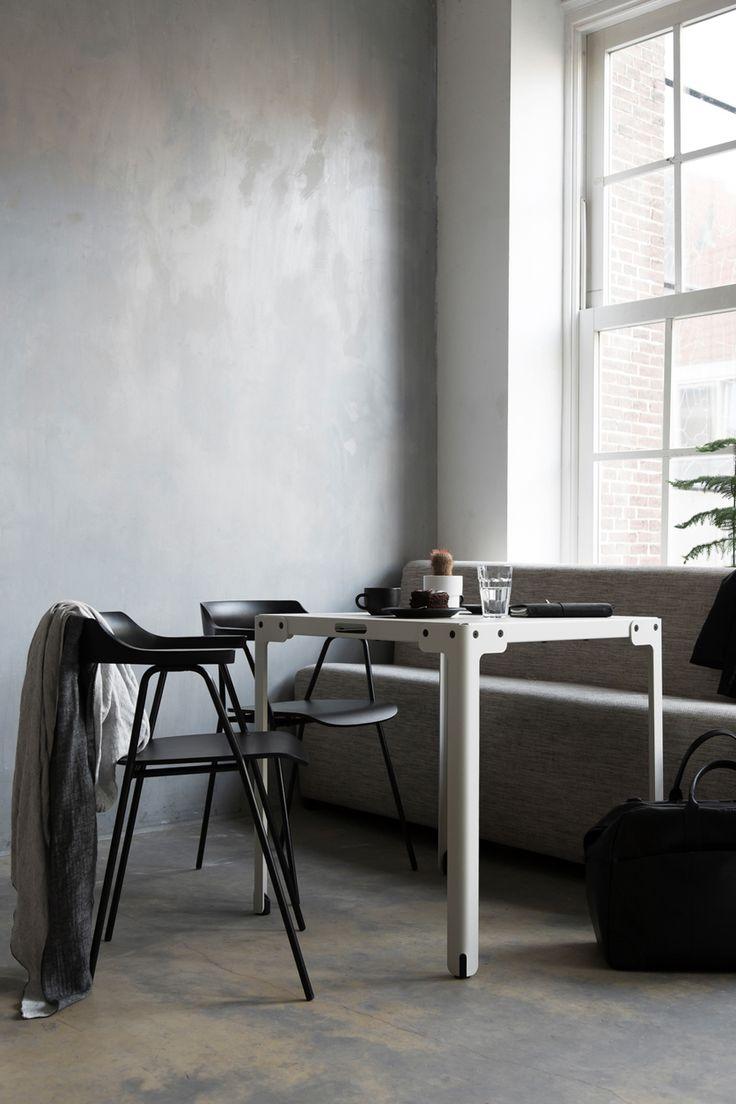 Modern savonarola chair - Rex Kralj Timeless