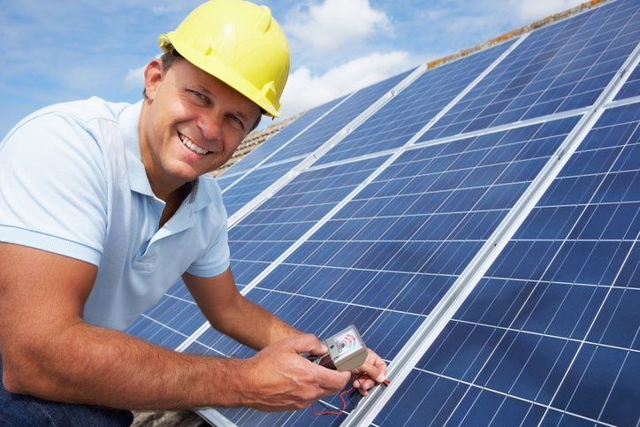 Solar Technician Training is Your Ticket to a Variety of Eco-friendly Careers