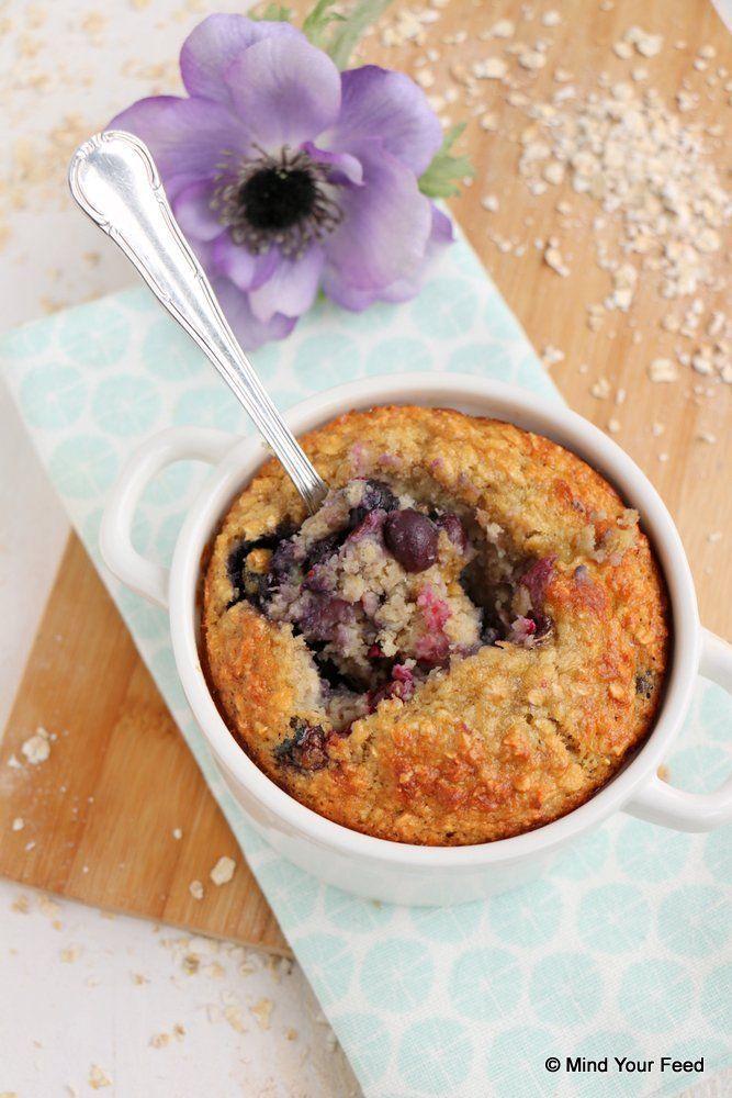 Havermout ontbijtcake met blauwe bessen