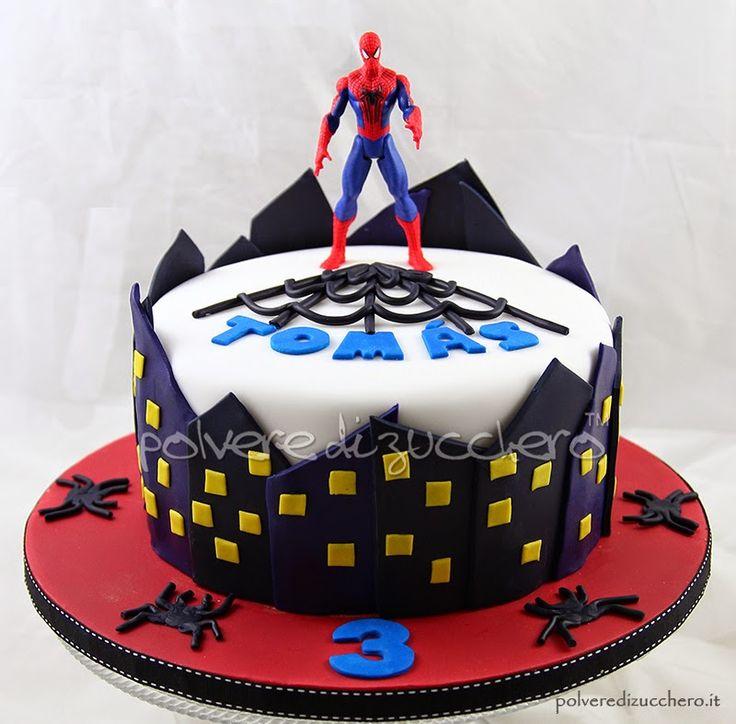 torta uomoragno, spiderman http://www.polveredizucchero.com/2015/02/torta-decorata-uomo-ragno-con-palazzi.html