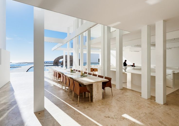 The All-White Amazing Decoration From A Luxury Hotel In Mexico | www.bocadolobo.com #homedecorideas #decorideas #luxuryhotel #hotels #exclusivedesign #interiordesign #allwhite @homedecorideas Luxury Hotel The All-White Amazing Decoration From A Luxury Hotel In Mexico The All White Amazing Decoration From A Luxury Hotel In Mexico 4