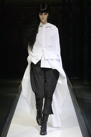 Yohji Yamamoto Spring 2007 Ready-to-Wear Fashion Show - Daiane Conterato (Elite)