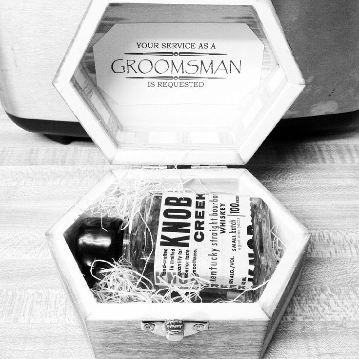 Cool way to ask groomsmen :)