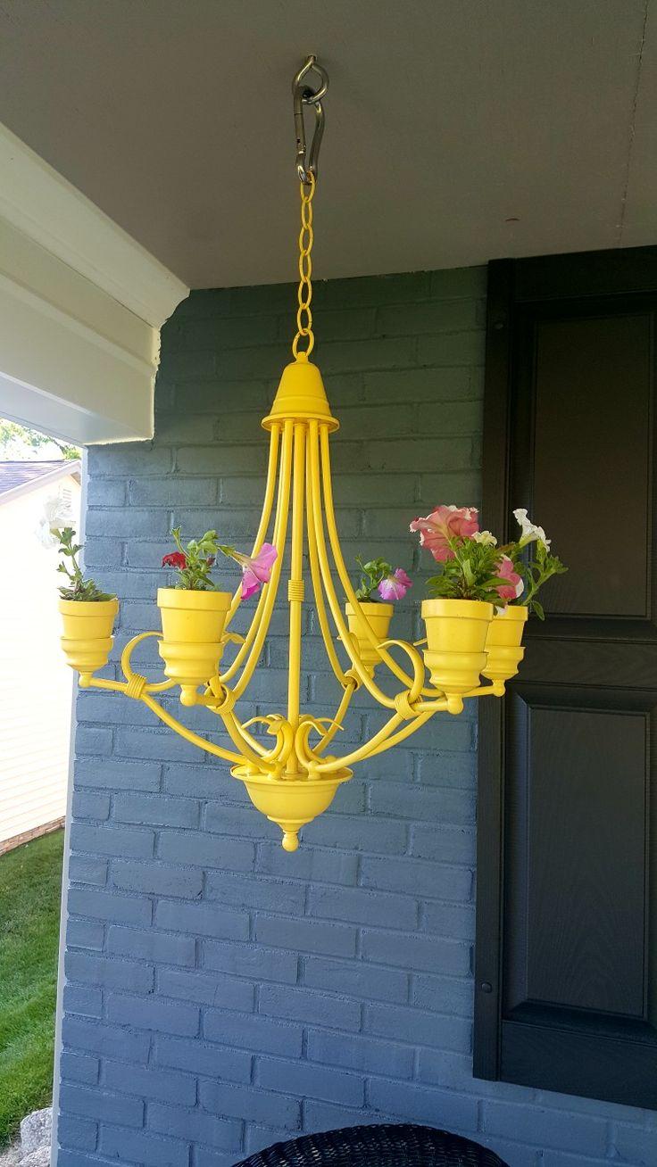 Best 20 old chandelier ideas on pinterest solar lights for Solar light chandelier diy