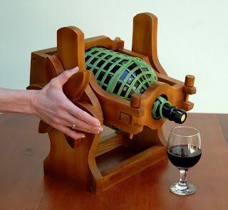 ARTEZZINI - Arte em Madeira: Novo Modelo de Suporte para Garrafão de Vinho - Serve Fácil