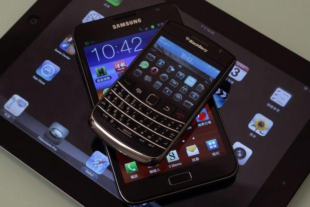 Smartphones Grow as Tablets Shrink