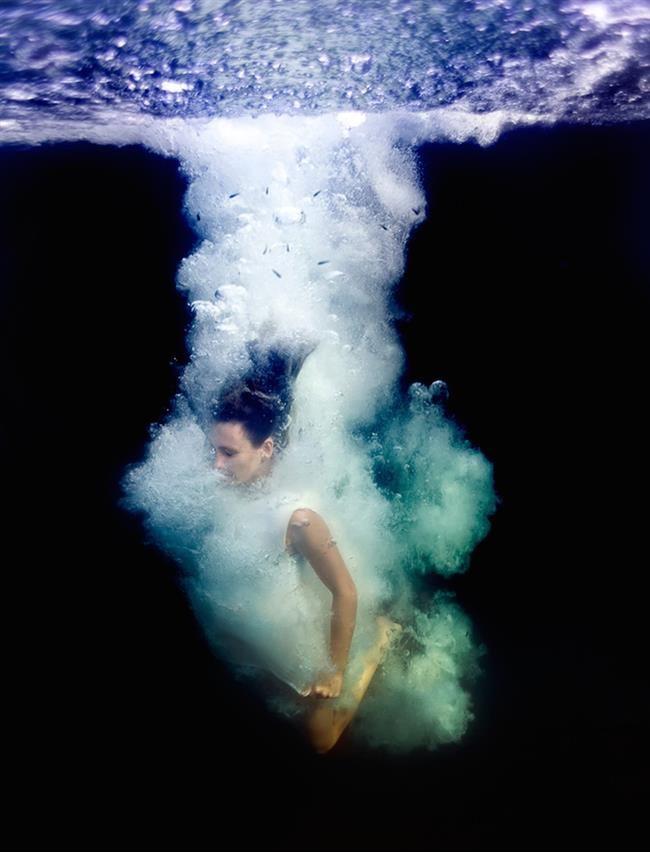 Fotógrafa faz ensaio nada menos que mágico com a sua filha nas cristalinas águas das Bahamas