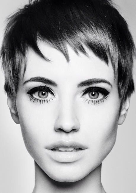 short hair. thick eyeliner. perfect skin.