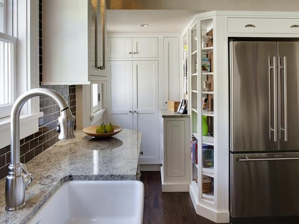 Small Kitchens: 8 Design Ideas to TryModern Bathroom Design, Contemporary Kitchens, Interiors Design Kitchens, Subway Tile, Small Kitchens Design, Storage Ideas, Contemporary Bathroom, White Cabinets, Design Bathroom