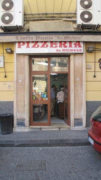 L' Antica Pizzeria da Michele - Maestri Pizzaioli dal 1870 - Napoli - The Best Pizza in the World!!!