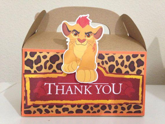 León protector de cajas de regalo Kion León por TriniGirlTreats