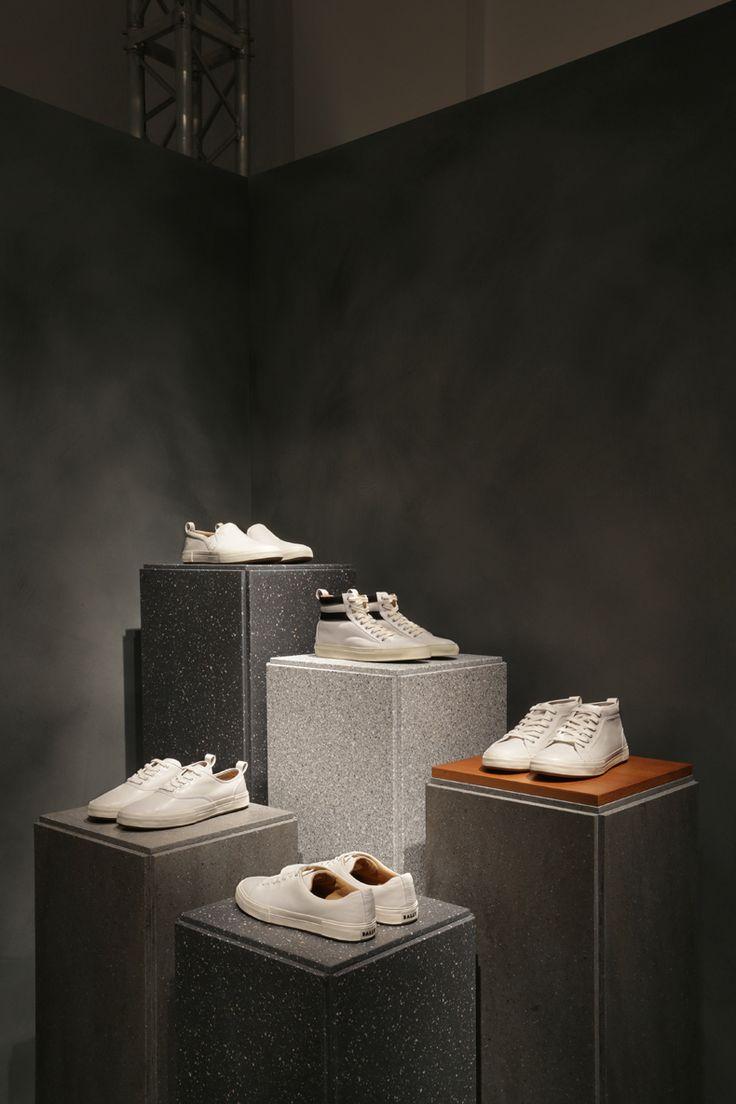 visual merchandising inspiration | store front | sportswear | sport chic