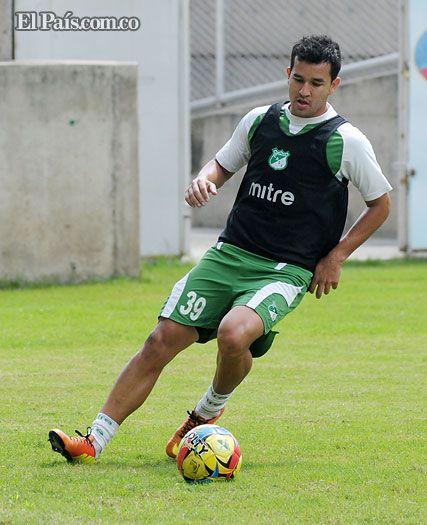 Néstor Camacho, con goles, se ha ganado el respeto del Deportivo Cali Desde su llegada a Colombia, Camacho expresó su disposición de convertirse en un jugador desequilibrante, además de buscar goles para su equipo.
