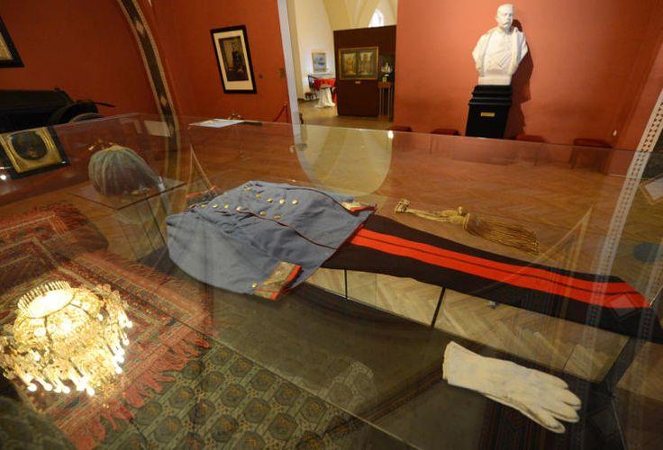 Wien (AT): Heeresgeschichtliches Museum (HGM). Die Uniform Franz Ferdinands an seinem Todestag.
