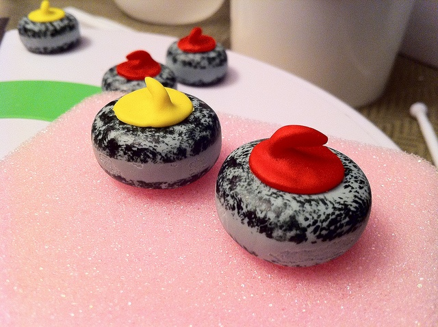 Curling rock cupcakes