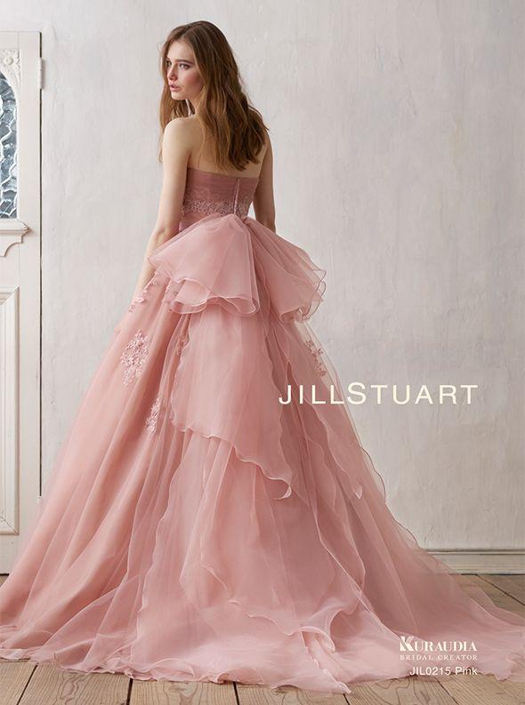 アクア・グラツィエがセレクトした、JILLSTUART(ジル スチュアート)のウェディングドレス、JIL0215 PIをご紹介いたします。