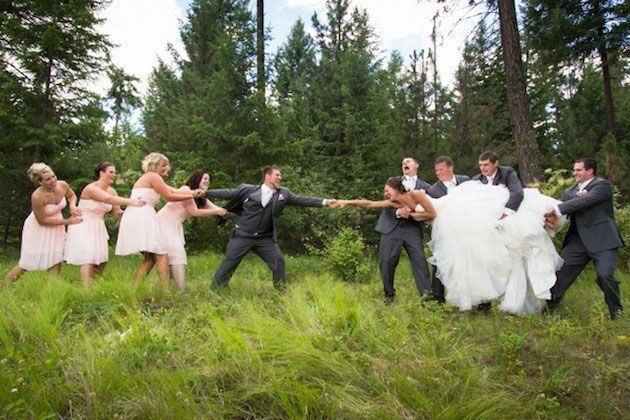Strike a Pose: 5 Hilarious Wedding Party Photos