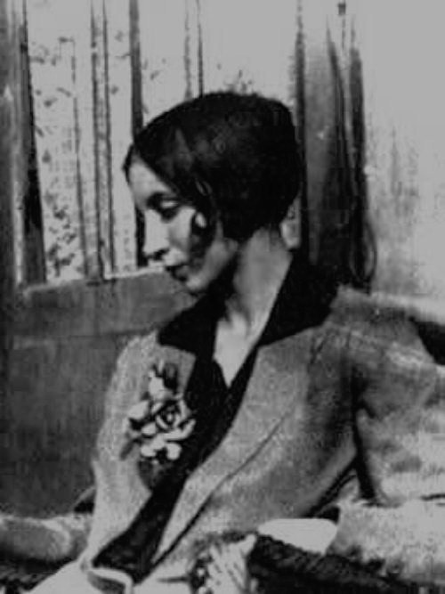 'I'm restless. Things are calling me away. My hair is being pulled by the stars again.'    .:  Anaïs Nin  :.