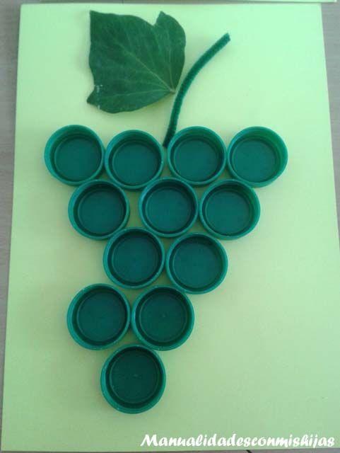 Manualidadesconmishijas: Uvas para las fiestas de San Mateo Uvas con tapones de plástico. Reciclado Recycled. Plastic Bottle Caps Grapes Para las 12 uvas de nochevieja