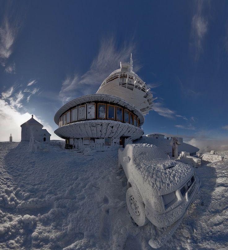 Winter on Sniezka - Karkonosze Mountains. Panorama -- Winter time by Piotr Krzaczkowski on 500px