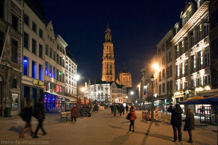 Suikerrui et Cathédrale Notre-Dame d'Anvers de nuit
