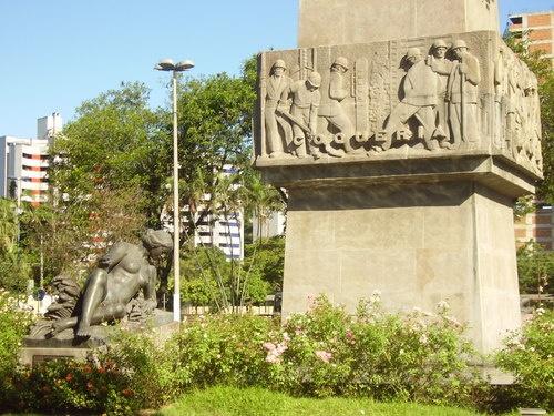 Praça Brasil - Cidade de Volta Redonda - RJ