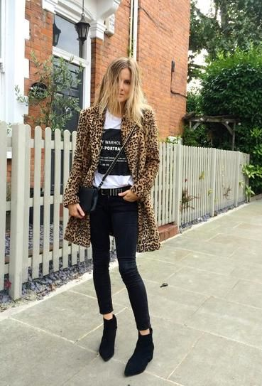 Blogger Lucy Williams in the chicest leopard coat we ever did see.