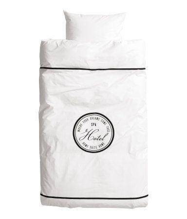 Guests bed linen