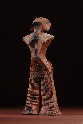 Jomon goddess figure (Japan's Jomon era: 14,000 BC to about 300 BC)