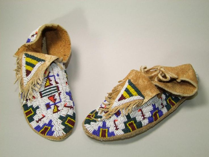 Beaded moccasins native americans pinterest