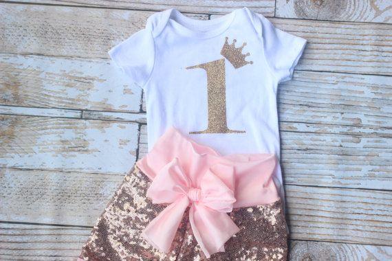 Eerste verjaardag outfit met roze pailletten door NylaMarieKids