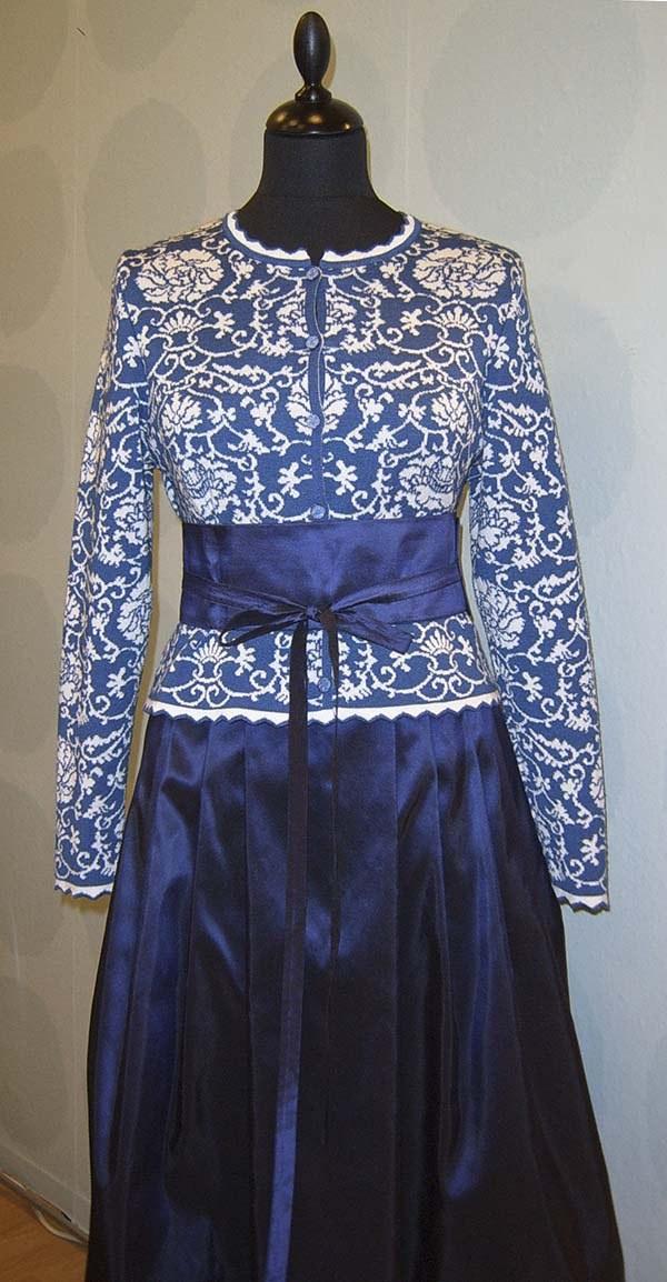 Oleana jacket and silk skirt.  #kompaniet #Oleana