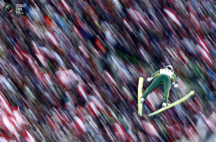 99. Austria's Gregor Schlierenzauer soars through the air during the third event of the four-hills ski jumping tournament in Innsbruck January 3, 2010. REUTERS/Dominic Ebenbichler