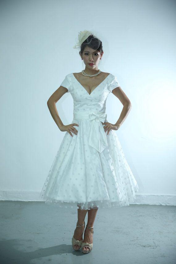 50shouse_ retro feel V neckline Polka dots tulle tea wedding dress_ custom make