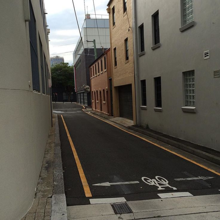 Light and shadow play on lanes in Woolloomooloo Sydney 4 - #lightandshadowplayonlanes #light #shadow #lane #Sydney #Woolloomooloo #bikesign