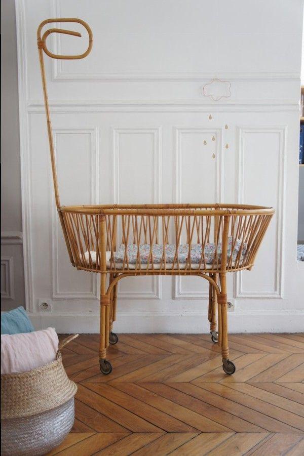 berceau rotin vintage sur petit toit l 39 atelier pinterest vintage et b b. Black Bedroom Furniture Sets. Home Design Ideas
