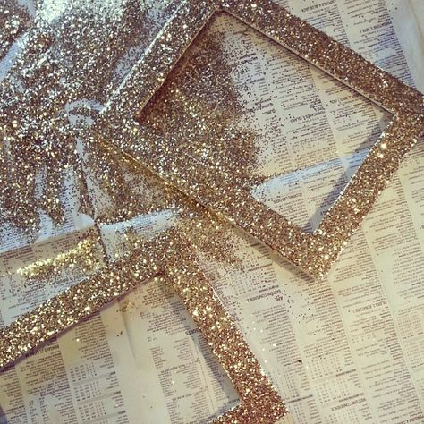 My favorite: DIY glitter frame