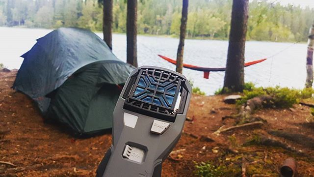 Camping with mosquitoes? You don't have to! Thermacell 450 (picture) gives you a 15*15-foot mosquitofree zone of protection and provides a bug-free comfort☆ Link in bio!  _________________________________________ #mygg #myggfritt #thermacell #thermacellnorge #thermacellhunt #myggstikk #myggallergi #myggbeskyttelse #noragent #camping #outdoors #fishing #hunting #fiske #jakt #friluftsliv #mittlekeland #ilovenorway #norway #visitnorway #jaktpost #telttur #utno #liveterbestute #mosquitoes…