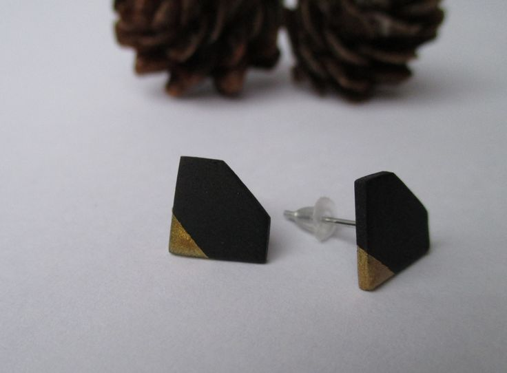 Cute Gold & Black Diamond stud earrings Fimo - Polymer clay  buy here: https://www.etsy.com/shop/heymate
