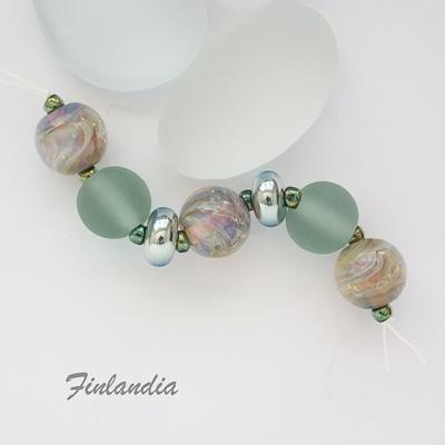 A stunning set of beads
