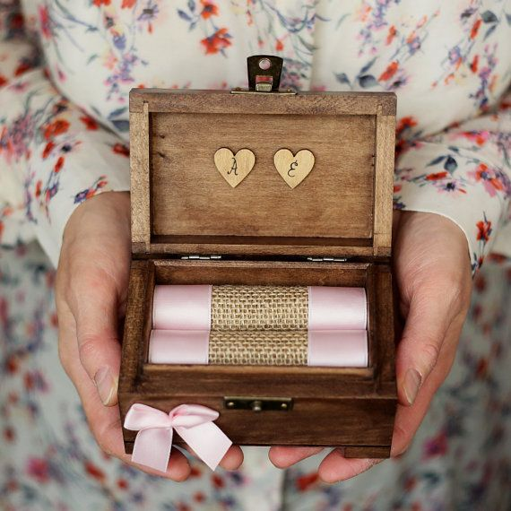 Ring box - lovely detail for a perfect wedding day. ♡ After used as ring holder, the jute roll can be removed and you can have a keepsake box.