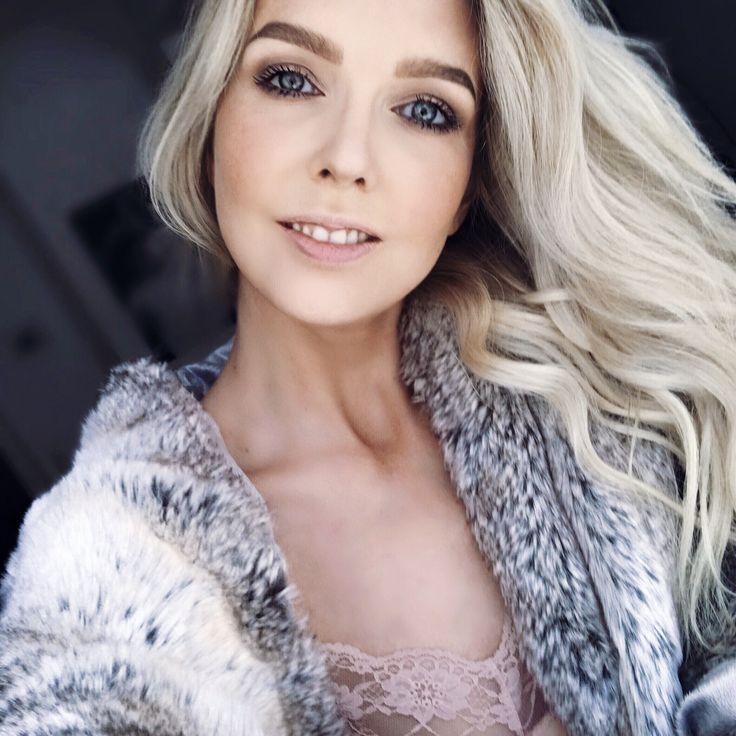 Blonde, MakeUp