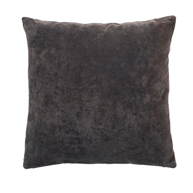 Cotton Velvet Pute 50×50 fra Cozy Living. Her i fargen Mole. Bestill den hos oss. https://www.krogh-design.no/interior/puter