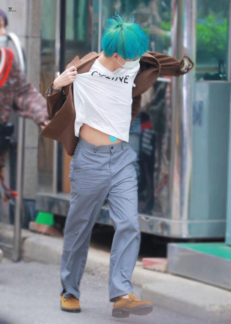 ทวีตถูกชอบโดย ????V????[อยากจาขี่เมฆมาหาเลยค่าบ]???????? (@BorahaeMyTae) | ทวิตเตอร์ in 2019 | Bts taehyung, Bts, Taehyung