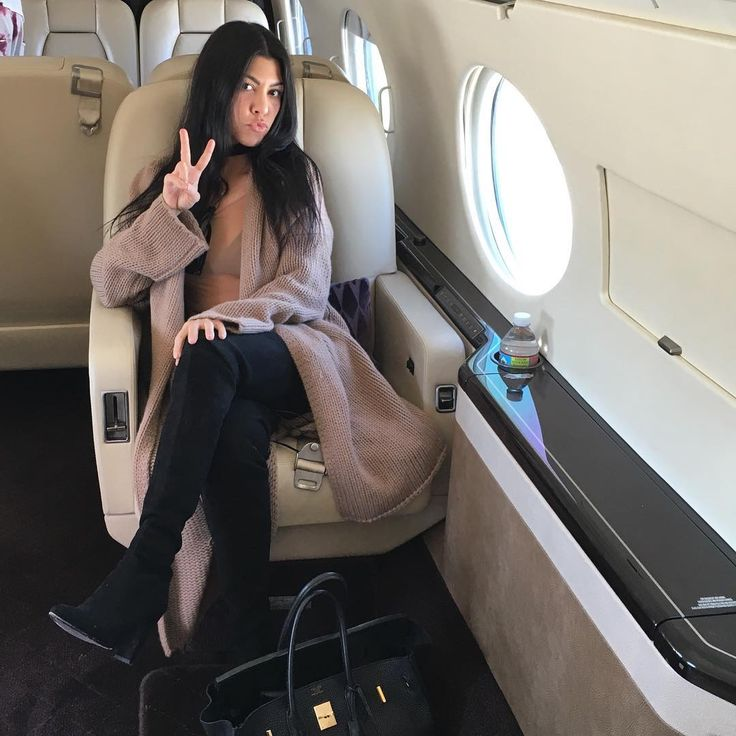 #KourtneyKardashian travels in style.