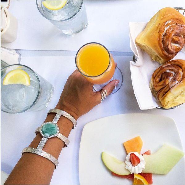 [#Brunch Bling] Regram @samantharina pairing mimosas with her #ISHARYA Goddess power cuff in silver