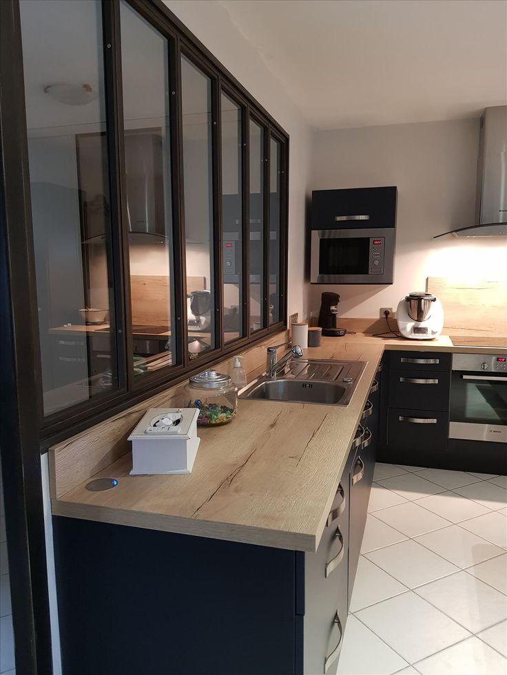 Verri re int rieure noire dans belle cuisine noire et bois style industriel contemporain - Cuisine verriere interieure ...
