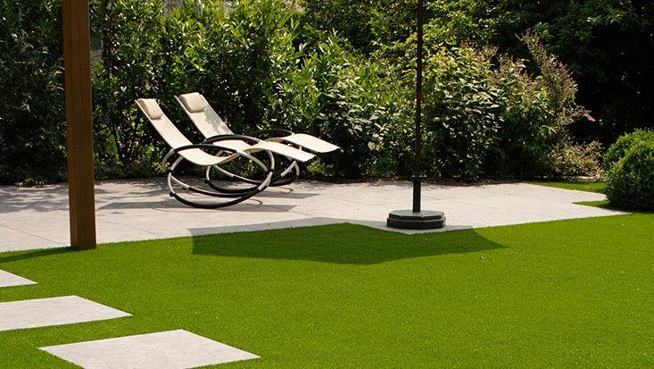 Moderner Kunstrasen Für Die Terrasse Im Garten Von RasenQueen Bei  Www.rasenqueen.de
